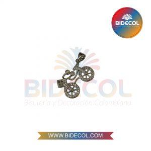 Dije En Forma De Bicicleta (2.7cm) Plateado en Rodio y Microcircones x 1und